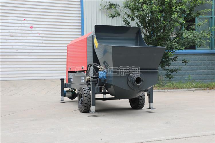 小型混凝土泵车哪些部分容易出现问题和引发事故呢?
